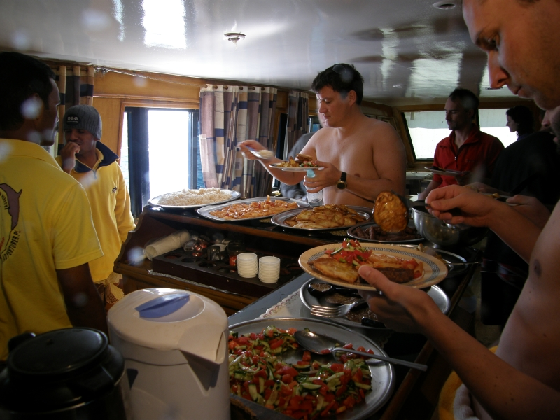 Abu Dabab 30.11.2009 Mittagspause an Bord